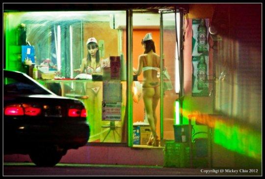 【売春エロ】3ドルでセックスできる売春婦。幼い娘からBBAまで・・・・(画像あり)・85枚目