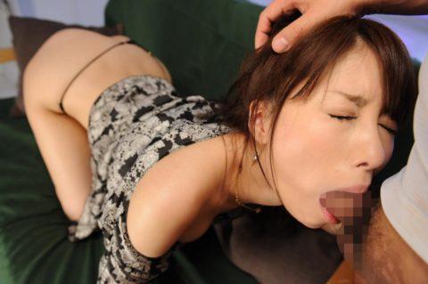 「喉奥射精」された女さんの末路・・・これはキツイ。。(GIFあり)・78枚目