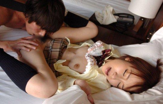「クリトリス」を舐められビックビクが止まらなくなった女さんwwwwwww(GIFあり)・96枚目