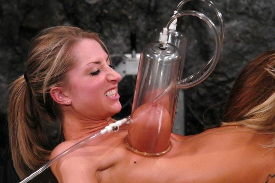 「搾乳機」は決してエロではありません!っていう女の画像。(102枚)・2枚目
