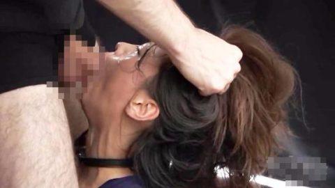 「喉奥射精」された女さんの末路・・・これはキツイ。。(GIFあり)・86枚目