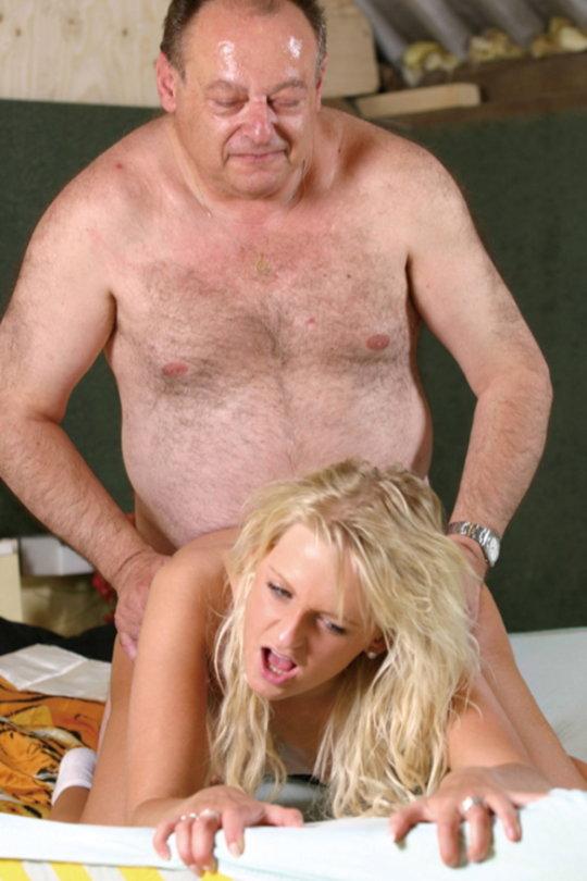 【セックス画像】ドン引きする年の差男女のセックス風景。ちょっとヤバいわ・・・(画像あり)・6枚目