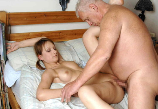 【セックス画像】ドン引きする年の差男女のセックス風景。ちょっとヤバいわ・・・(画像あり)・9枚目