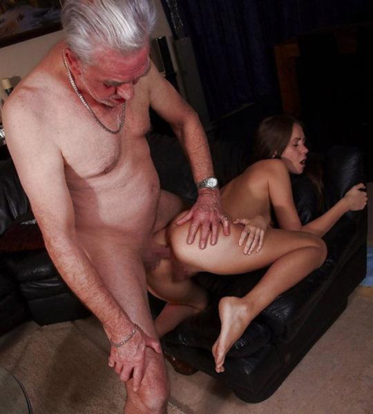 【セックス画像】ドン引きする年の差男女のセックス風景。ちょっとヤバいわ・・・(画像あり)・21枚目