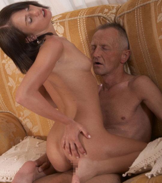 【セックス画像】ドン引きする年の差男女のセックス風景。ちょっとヤバいわ・・・(画像あり)・27枚目