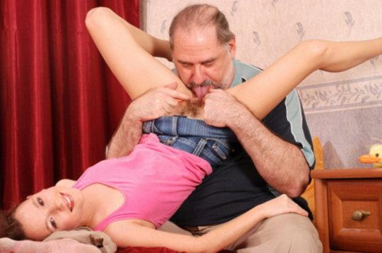 【セックス画像】ドン引きする年の差男女のセックス風景。ちょっとヤバいわ・・・(画像あり)・43枚目