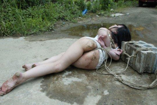 【レイプシーン】女優魂が試されるドラマ映画のレイプシーン、ガチのが混ざっとるやんけ・・・(画像348枚)・95枚目