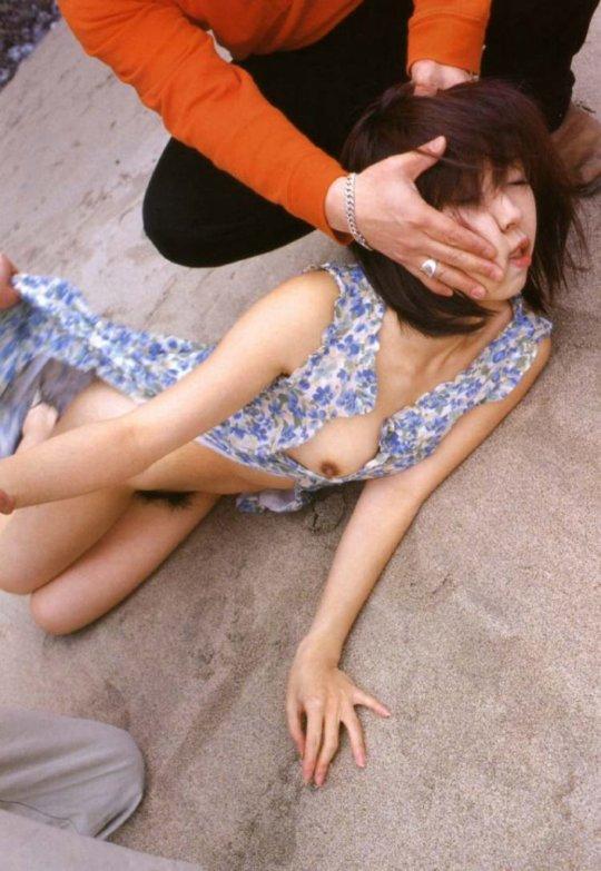 【レイプシーン】女優魂が試されるドラマ映画のレイプシーン、ガチのが混ざっとるやんけ・・・(画像348枚)・99枚目