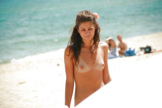 """""""ヌーディストビーチ""""でフェラ・セックスしてる女たち、ルールどうなってんの??(454枚)・124枚目"""