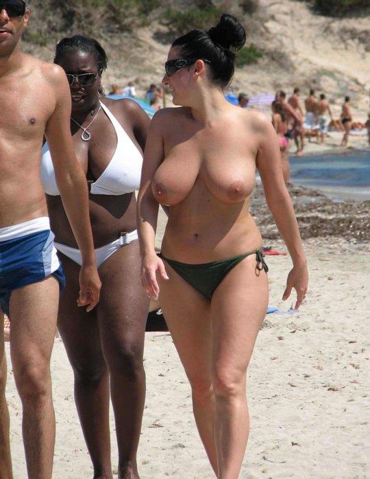 """""""ヌーディストビーチ""""でフェラ・セックスしてる女たち、ルールどうなってんの??(454枚)・154枚目"""