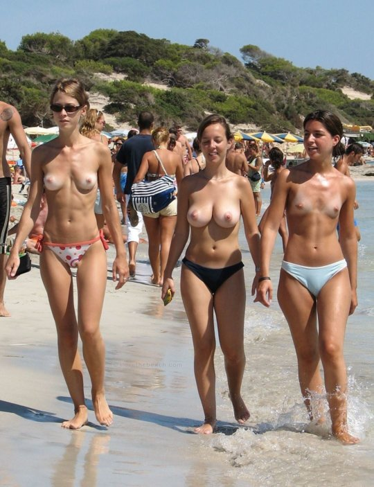 """""""ヌーディストビーチ""""でフェラ・セックスしてる女たち、ルールどうなってんの??(454枚)・163枚目"""