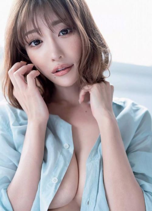 【明日花キララ】アップデートする度に顔が変わるセクシー女優をエロGIFでご覧ください(523枚)・15枚目
