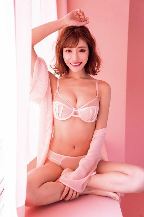 【明日花キララ】アップデートする度に顔が変わるセクシー女優をエロGIFでご覧ください(523枚)・16枚目