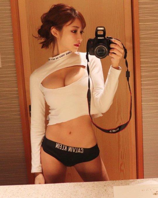 【明日花キララ】アップデートする度に顔が変わるセクシー女優をエロGIFでご覧ください(523枚)・34枚目