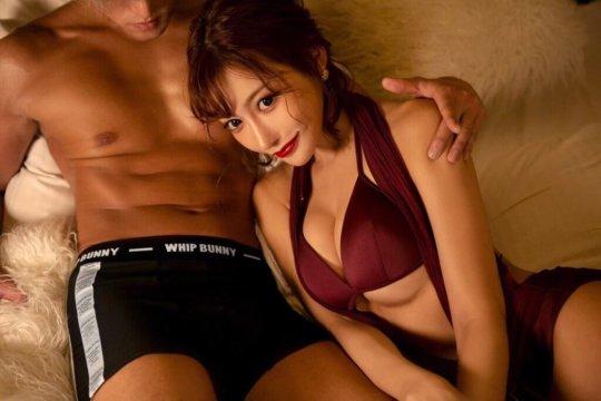 【明日花キララ】アップデートする度に顔が変わるセクシー女優をエロGIFでご覧ください(588枚)・126枚目