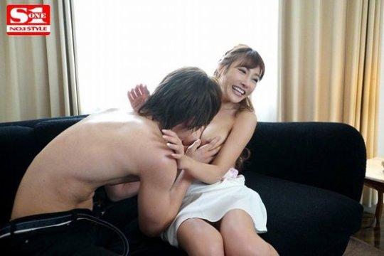 【明日花キララ】アップデートする度に顔が変わるセクシー女優をエロGIFでご覧ください(588枚)・162枚目