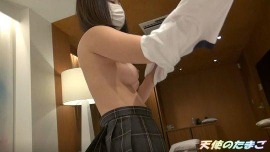 【※素人】完璧にチンポを責める巨乳な制服娘のエロ動画をご覧ください。・11枚目