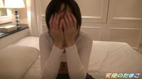 【動画あり】顔を手で隠しマンコは「くぱぁ」しちゃう女のガチハメwwwww・9枚目