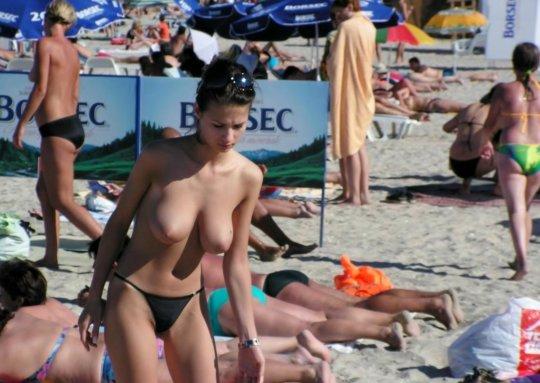 「ヌーディストビーチ」とかいう海外の楽園がガチで半端じゃないwwwwwww(エロ画像)・4枚目