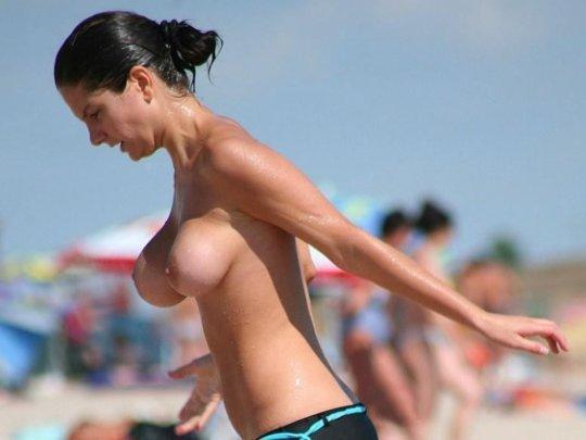 「ヌーディストビーチ」とかいう海外の楽園がガチで半端じゃないwwwwwww(エロ画像)・46枚目