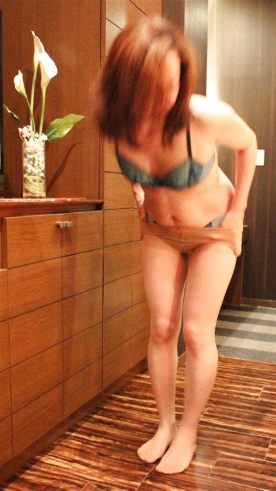 熟女(40歳以上)のエロ画像まとめ。思ったより余裕でヌケるwwwwwww(エロ画像)・21枚目