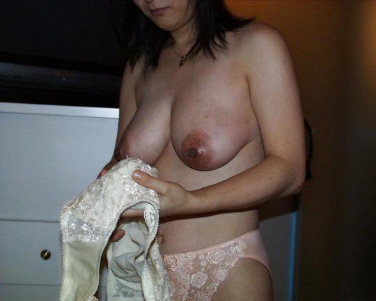 熟女(40歳以上)のエロ画像まとめ。思ったより余裕でヌケるwwwwwww(エロ画像)・37枚目