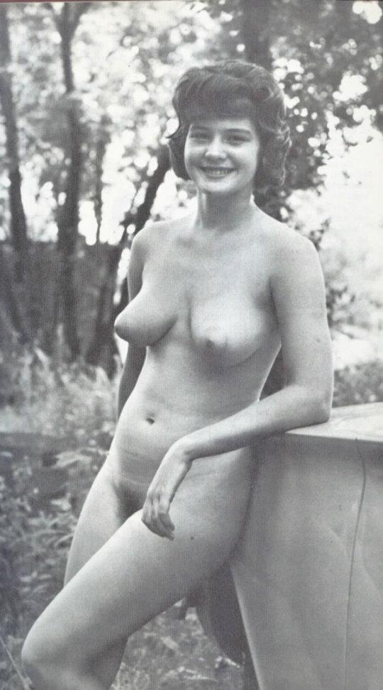 """ヘアヌードに挑戦した昭和時代の""""10代女子""""をご覧ください。エエ時代やぁwwwwww(317枚)・5枚目"""
