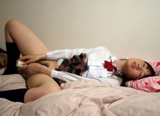 【オナニー画像】大胆すぎるオナニスト女子の自慰行為がこちら。。(201枚)・32枚目