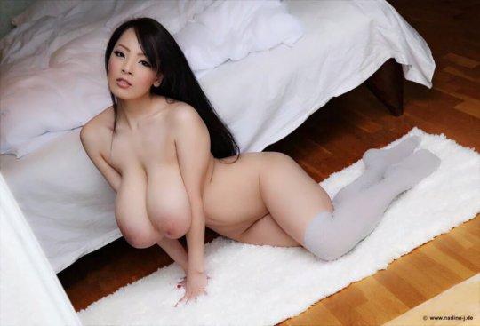 【hitomi】パイズリの為に生まれた女のおっぱいの使い方。。これ二次元か??(214枚)・80枚目