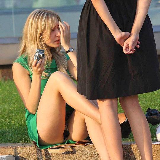 【ミニスカ】短いスカートのパンツモロ見え女さんがこちらですwwww(60枚)・4枚目