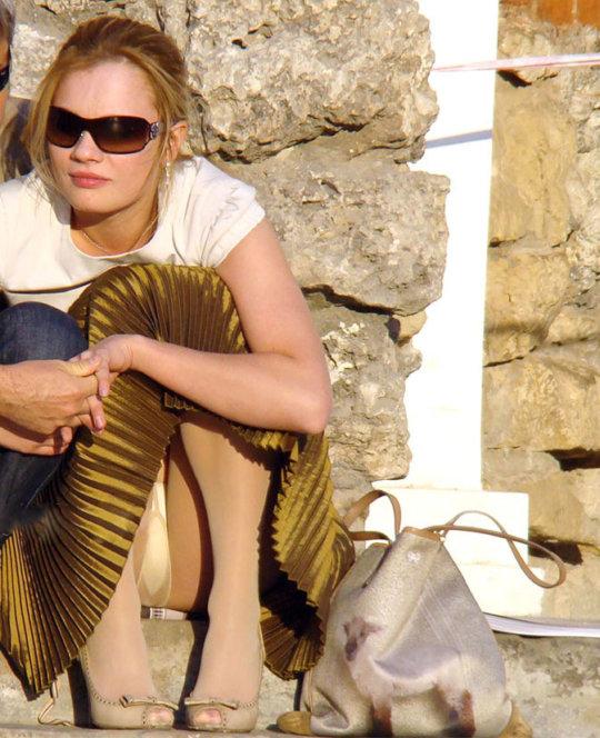 【ミニスカ】短いスカートのパンツモロ見え女さんがこちらですwwww(60枚)・8枚目