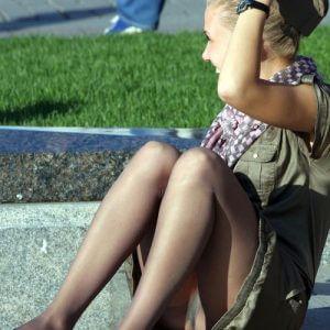 【ミニスカ】短いスカートのパンツモロ見え女さんがこちらですwwww(60枚)・10枚目