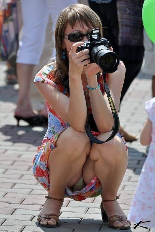 【ミニスカ】短いスカートのパンツモロ見え女さんがこちらですwwww(60枚)・15枚目