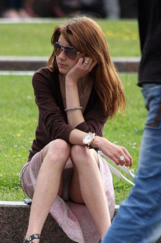 【ミニスカ】短いスカートのパンツモロ見え女さんがこちらですwwww(60枚)・39枚目
