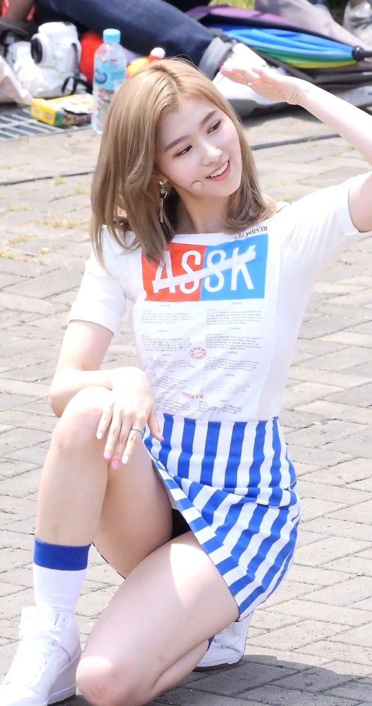 【TWICEエロ】エロさトップクラスの韓国アイドルグールプをご覧ください(101枚)・64枚目
