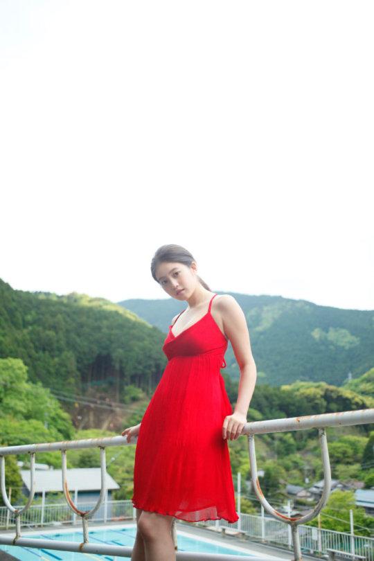 【今田美桜】若者に人気絶大なエロカワ女優さん。身体がイイよねぇwwwwww・30枚目