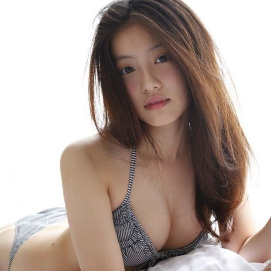 【今田美桜】若者に人気絶大なエロカワ女優さん。身体がイイよねぇwwwwww・40枚目