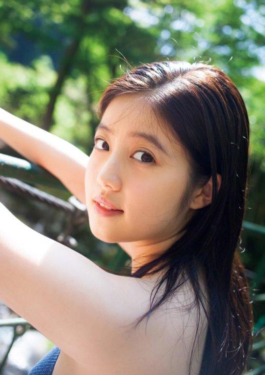 【今田美桜】若者に人気絶大なエロカワ女優さん。身体がイイよねぇwwwwww・55枚目