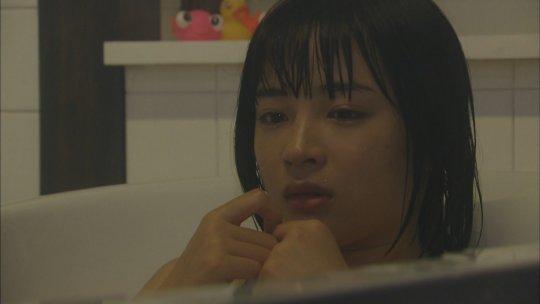 【広瀬すず】年々エロくなってく清純派女優のボディーwwwwwww(77枚)・9枚目