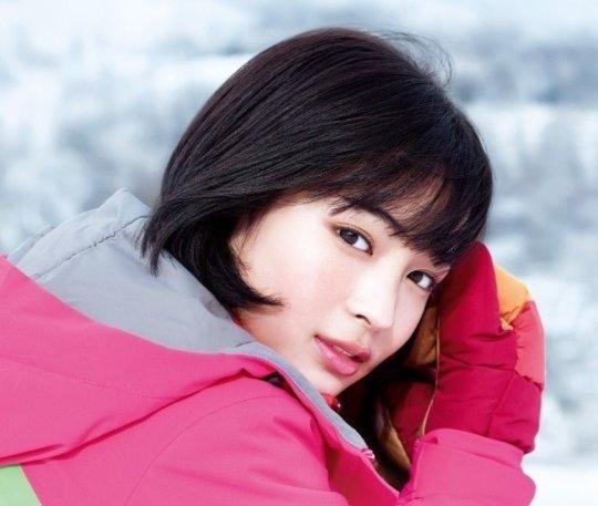 【広瀬すず】年々エロくなってく清純派女優のボディーwwwwwww(77枚)・65枚目