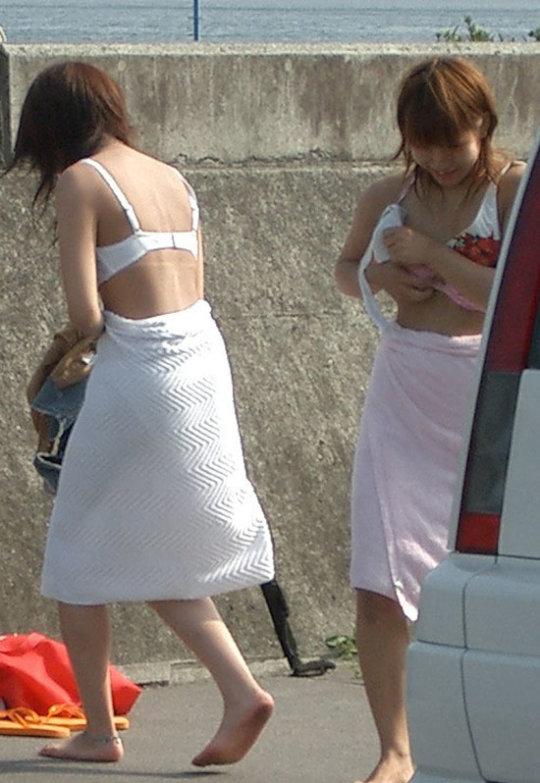 着替えを盗撮された女の子たち、出回るとか思わなかっただろう・・・(エロ画像)・4枚目