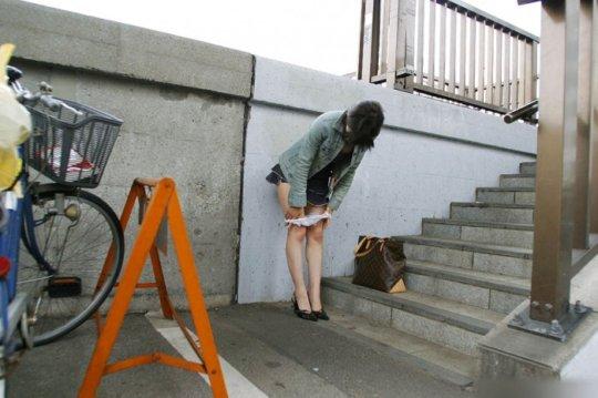 着替えを盗撮された女の子たち、出回るとか思わなかっただろう・・・(エロ画像)・20枚目