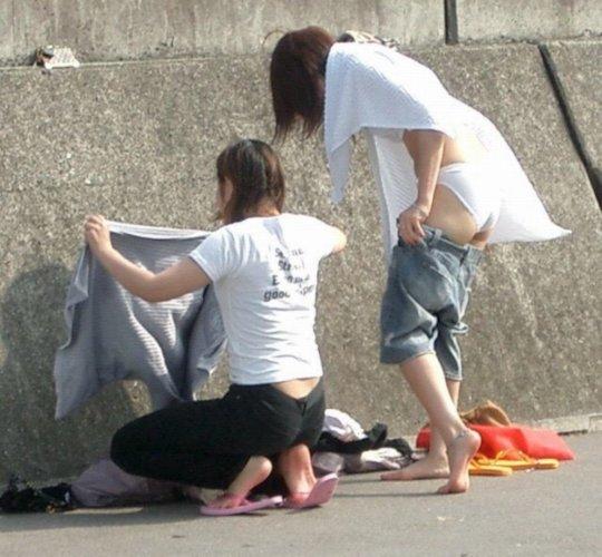 着替えを盗撮された女の子たち、出回るとか思わなかっただろう・・・(エロ画像)・34枚目