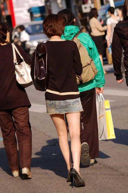 【美脚エロ】長い脚のキレイなお姉さんのエロ画像だけください。(110枚)・1枚目