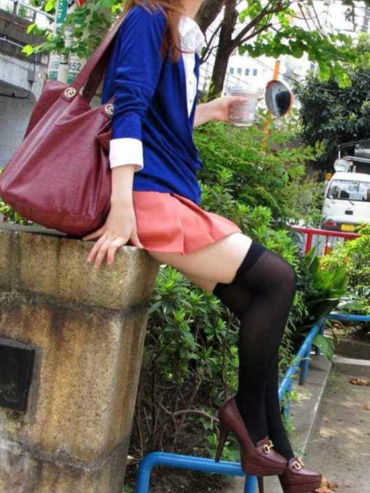 【美脚エロ】長い脚のキレイなお姉さんのエロ画像だけください。(110枚)・54枚目