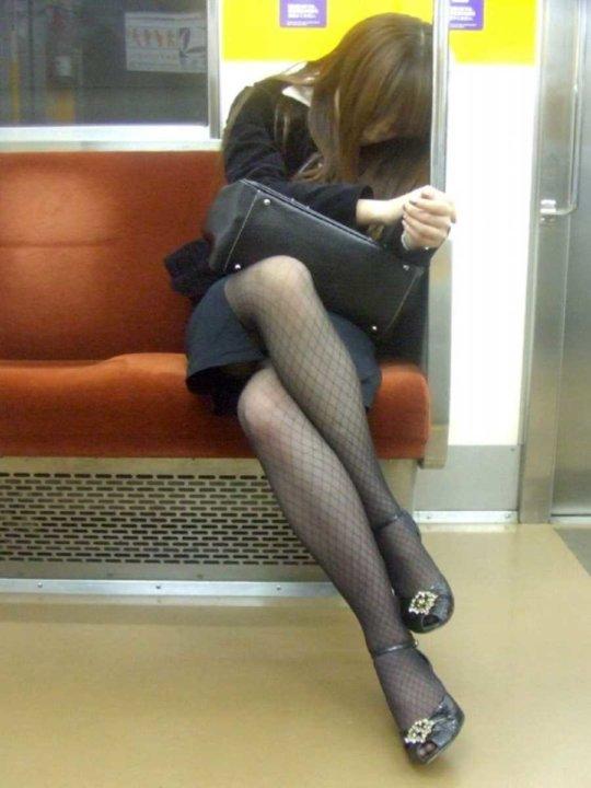 【美脚エロ】長い脚のキレイなお姉さんのエロ画像だけください。(110枚)・94枚目