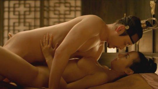 パラサイト(映画)の女優チョ・ヨジョンの濡れ場シーン。(30枚)・1枚目