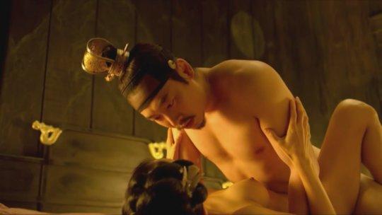 パラサイト(映画)の女優チョ・ヨジョンの濡れ場シーン。(30枚)・2枚目