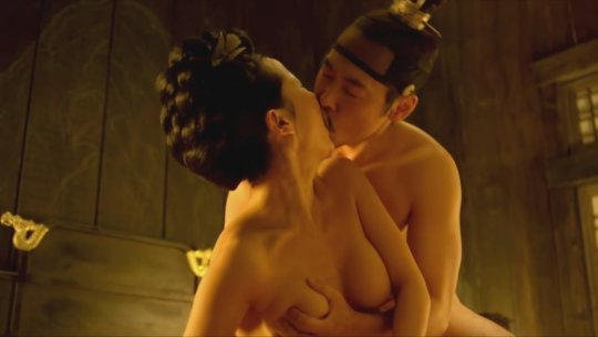 パラサイト(映画)の女優チョ・ヨジョンの濡れ場シーン。(30枚)・3枚目