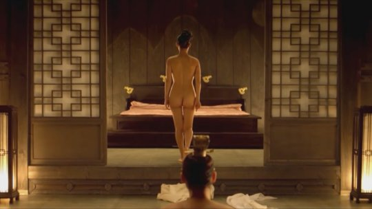 パラサイト(映画)の女優チョ・ヨジョンの濡れ場シーン。(30枚)・5枚目